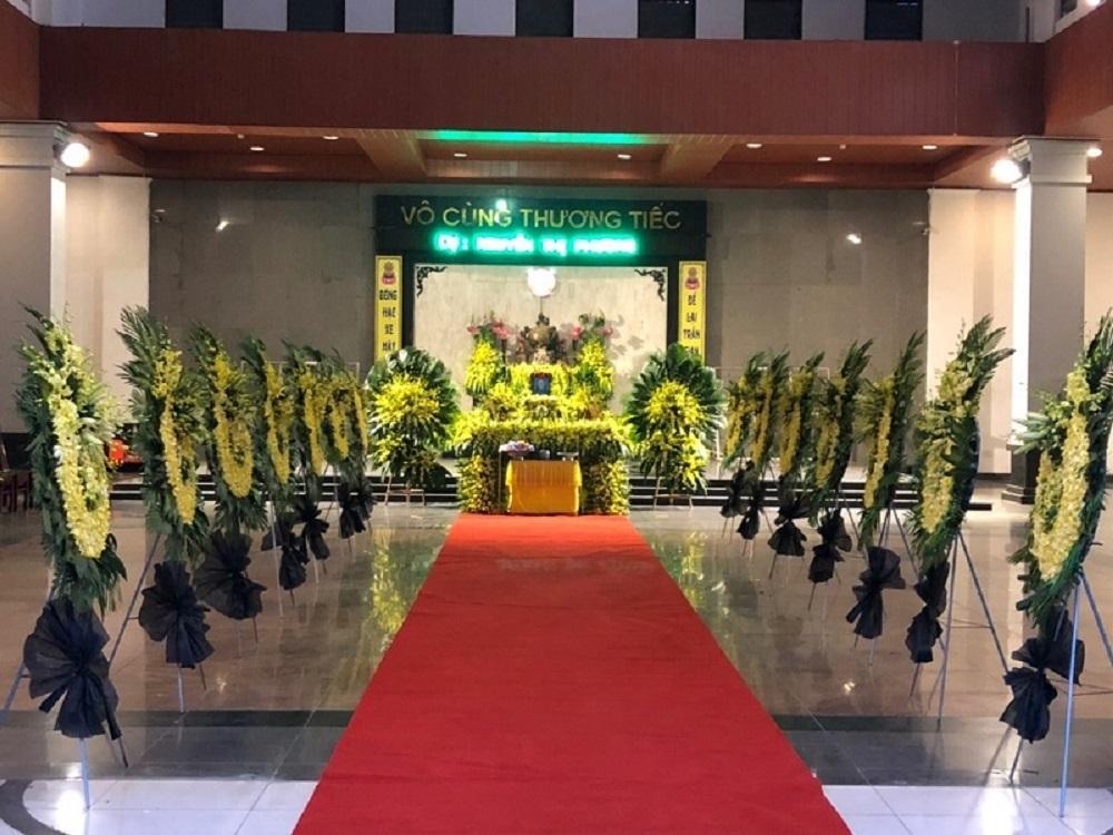 Trang trí hoa tang lễ giá rẻ