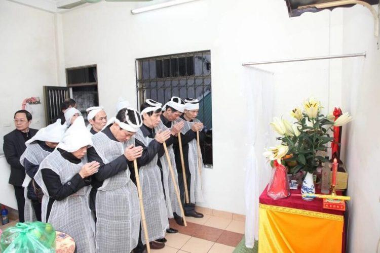 chia sẻ cách tổ chức tang lễ tại nhà riêng