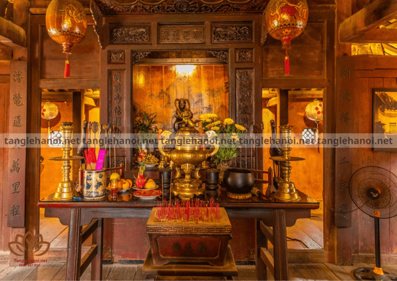 Lễ an nhập lư hương lên bàn thờ tổ tiên