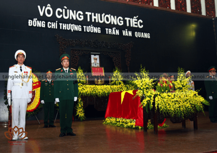 Những thành viên nào được nhà nước tỏ chức quốc tang